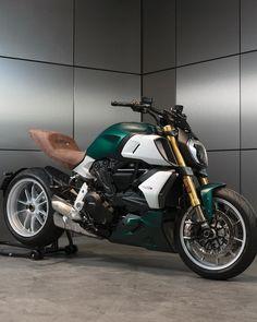 Ducati Motorbike, Honda Scrambler, Ducati Diavel, Bike Design, Custom Bikes, Toys For Boys, Cars And Motorcycles, Motorbikes, Biker