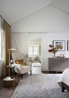 White shiplap ceiling mater bedroom | Tim Cuppett Architecture