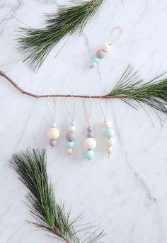 DIY Wood Bead Ornaments #christmas #crafts #decor