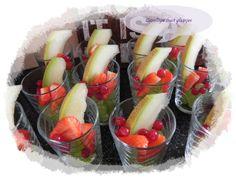 Gezellige fruitglaasjes. Bon Appetit