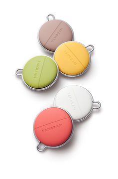 Details we like / Color Range / Silkone / Rubber / Metal Frame / Is it a wallet? / at Design Binge