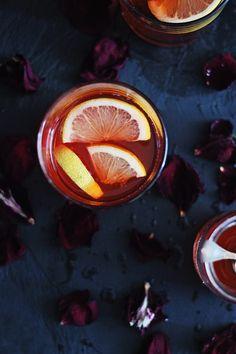 Rose + Rosé Bourbon Cocktail | HelloNatural.co