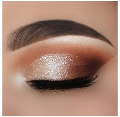 Smokey Eye Makeup Look, Gold Eye Makeup, Dramatic Eye Makeup, Eye Makeup Steps, Eye Makeup Art, Natural Eye Makeup, Glam Makeup, Eyeshadow Makeup, Burgundy Makeup