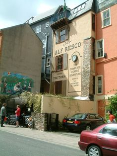 """""""Alf Fresco"""" !  :o)   (Dartmouth)"""