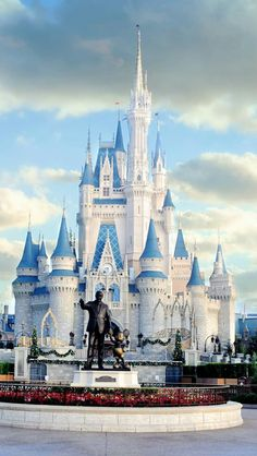 Disney Love, Disney Magic, Disney Art, Walt Disney, Cute Disney Wallpaper, Wallpaper Iphone Disney, Cute Cartoon Wallpapers, Disney World Castle, Disney World Parks