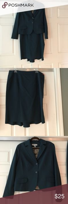 """🌴New Listing🌴 Nine West Suit Teal two piece suit.  Jacket is lined, skirt is not.  Back zip closure with skirt being a little bit shorter in front.  24"""" in front, 26"""" in back Nine West Skirts Skirt Sets"""