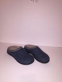 2ffe33bc79d9f LL Bean Blue Wool Slippers Mule Clogs Womens Sz 6  fashion  clothing  shoes