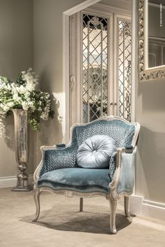 SAVIO FIRMINO ( - This exquisite and welcoming armchair is waiting for you - French Furniture, Living Furniture, Luxury Furniture, Home Furniture, Furniture Design, New Classic Furniture, Classic Interior, Home Interior Design, Interior Decorating