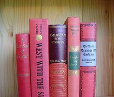 Shop of the Week - Crooked House Books #vestiesteam #vintage