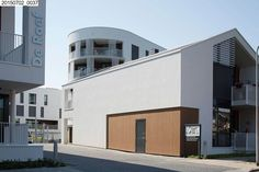 Gallery - Eltheto Housing and Healthcare Complex / 2by4-architects - 18
