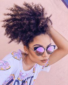 """Ana Lídia Lopes on Instagram: """"Como fazer a dyva nesse calor ☀️: rabo/coque abacaxi e um óculos poderoso . Hahaha! Ganhei esse óculos de presente da @dra_biju e AMEEEEEI! Vou usar e abusar dele nesses dias de sol! Lindo, né?"""""""