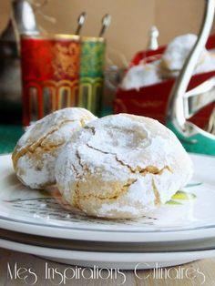 Amaretti moelleux Biscuit Cookies, Sugar Cookies, Biscuit Amaretti, Cookie Recipes, Dessert Recipes, Eid Food, Pop Tarts, Macarons, Sweet Tooth