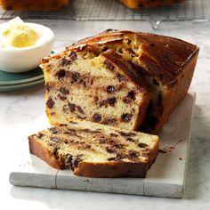 One-Bowl Chocolate Chip Bread Best Pumpkin Bread Recipe, Irish Soda Bread Recipe, Pumpkin Chocolate Chip Bread, Chocolate Chip Recipes, Chocolate Chips, Bread Machine Recipes, Quick Bread Recipes, Beginner Baking Recipes, Flour Recipes