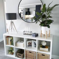 22 smart first apartment decorating ideas on a budget 00004 - Modern Home Living Room, Living Room Designs, Mirror Decor Living Room, Living Room Storage Furniture, Living Room Entrance Ideas, Storage Ideas Living Room, Living Room And Bedroom In One, Dinning Room Ideas, Art Deco Interior Living Room