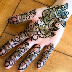 We have collected the most remarkable mehndi design for the bride. This rich bridal hand mehndi design is very beautiful and easy to draw by Top release. Peacock Mehndi Designs, Mehndi Designs Book, Simple Arabic Mehndi Designs, Mehndi Designs For Girls, Indian Mehndi Designs, Mehndi Designs 2018, Modern Mehndi Designs, Mehndi Designs For Fingers, Wedding Mehndi Designs