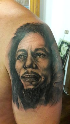 www.valestattoo.com #tattoo #valestattoo #bob #bobmarley #bobmarleytattoo #lion #leone #tattootime #tattoolife #tattooart #tattooartist #tattooartistitaly #tattooitaly #tattoomadeinitlay #tattooshop #tattooblog #tattoostudio #tattoostudioitaly #blackandgray #blackandgraytattoo #pantherablackink #pantherainktattoo #tattooed #tattooing #tattoodesign #tattooidea #ink #inked #inkedboy #skin