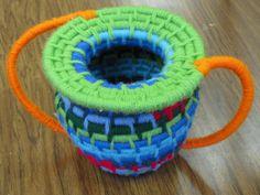 5th grade yarn basket weaving; art teacher: Susan Joe Weaving Projects, Art Projects, 7th Grade Art, Weaving For Kids, Art For Kids, Kid Art, Sculpture Lessons, Art Curriculum, Weaving Textiles