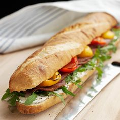 Découvrez la recette Sandwichs aux saveurs du Sud sur cuisineactuelle.fr.