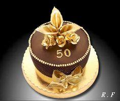 kaly Vase, Happy Birthday, Desserts, Food, Happy Brithday, Tailgate Desserts, Deserts, Urari La Multi Ani, Essen