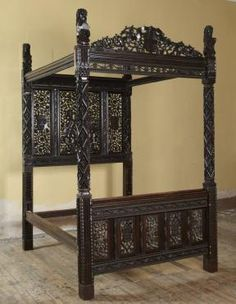 Paradise State Bed is the last Tudor bed in existence, was made to mark Henry VII accession to the throne.  The bed is covered in detailed carvings demonstrating the power and wealth of the new king. The headboard depicts Adam and Eve in likeness of the King and Queen, surrounded by the fruits of paradise which symbolise fertility and the couple's hope for an heir.