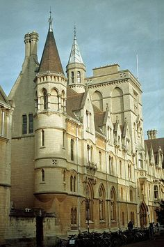 Balliol College in Oxford Exeter College, Oxford College, Balliol College, Oxford United Kingdom, Oxford City, Oxford England, Dream City, Tower Of London, Places Around The World