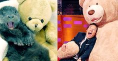 THE GRAHAM NORTON SHOW (November 27, 2015) ~ Benedict Cumberbatch mimics photos of otters. [GIF]