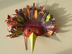 Masque d'oiseau en carton ondulé. Art Projects, Projects To Try, Bird Masks, Enrichment Activities, Animal Crafts For Kids, Carnival Masks, African Masks, Craft Materials, Art Plastique