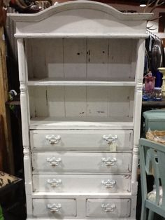 Antique white usa - dulux & Websters…