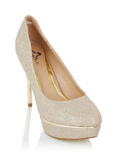 Court shoes with gold heel Gold Fresh Outfits, Dance Fashion, Gold Heels, Court Shoes, Buy Shoes, Best Brand, Fashion Online, Latest Trends, Fashion Beauty