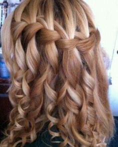 Perfect hairstyle for hanging out with friends.