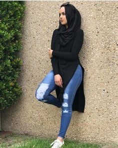 Spilt tops have arrived in more colours matched back with our modelle jeans ✨ Broadmeadows open until 9pm tonight #love #new #like #follow #fashion #styling #shopping #clothes #modelleofficial #ootd #hootd #hijab #fashion #coveredhair #casual #getthelook #outfit #modest #muslimah #style #fashionblogger #fashionista #tbt #inspiration #spring #islam #travelgram #friday #shop