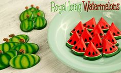 How to make royal icing watermelons to use on a cake, cupcakes, or cookies!