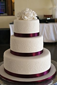 30 Tasty Italian Wedding Cakes ❤ See more: www.weddingforwar… 30 Tasty Italian Wedding Cakes ❤ See more: www. Burgundy Wedding Cake, Plum Wedding, Maroon Wedding, Trendy Wedding, Cake Wedding, Wedding Cupcakes, Walmart Wedding Cake, Wedding Recipe, Wedding Hijab