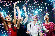 """День рождения VS Новый год  http://ufa-room.ru/den-rozhdeniya-vs-novyj-god-95997/  Новый год — волшебный день для всей страны, но для опрошенных счастливчиков 31 число еще и день их рождения. The Ufa-room узнал у уфимцев, как они относятся к такому """"двойному"""" празднику."""