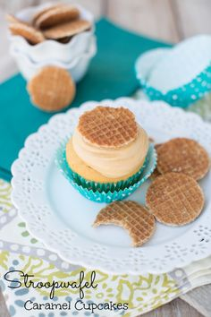 Stroopwafel Caramel Cupcakes #recipe my husband is obsessed with stroopwafels