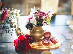 Stylish Popular Pomegranate Wedding Ideas For Fall And Winter Green Wedding Shoes, Gold Wedding, Wedding Flowers, Wedding Dresses, Pomegranate Wedding, Fall Wedding Decorations, Wedding Ideas, Wedding Planning, Green Centerpieces