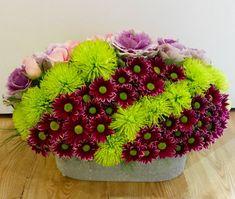 Modern Floral Arrangements, Floral Centerpieces, Wedding Table Centres, Dahlia Flower, Unique Flowers, Arte Floral, Wedding Crafts, Flower Crown, Flower Decorations