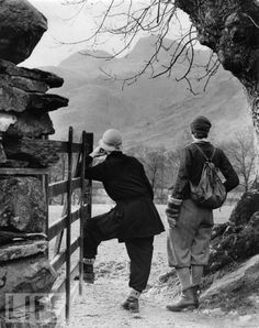 ladies hiking tour of england.