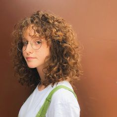 Curly Afro Hair, Short Curly Haircuts, Curly Hair With Bangs, Cut My Hair, Permed Hairstyles, Curly Girl, Pretty Hairstyles, New Hair, Curly Hair Styles
