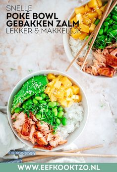 Snelle en makkelijke poké bowl met gebakken zalm. Aanrader! #pokebowl Poke Bowl, Edamame, Menu, Avocado, Ethnic Recipes, Food, Salads, Menu Board Design, Lawyer