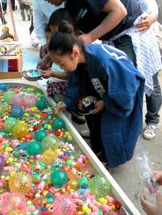 Summer Matsuri (summer fair), Japan. S) I used to love hook a duck at the fayre, how cool is this Japanese version
