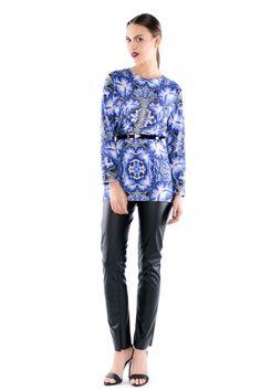 Forget-Me-Not / Niezapominajka - długa bluzka w niebieskie kwiaty Graphic Sweatshirt, Sweatshirts, Sweaters, Fashion, Tunic, Moda, Fashion Styles, Trainers, Sweater