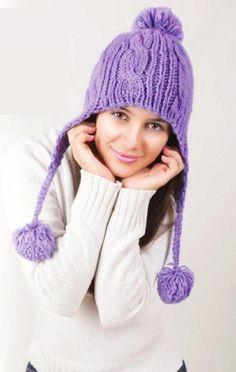 Шапка с ушками вязаная спицами. Женская шапка спицами описание.