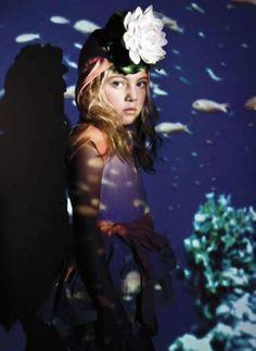 The life aquatic | bbmundo / junio, 2011 / Foto: Turco / Producción y coordinación de moda: Victoria Papuchi / Maquillaje y peinado: Malinalli Contreras