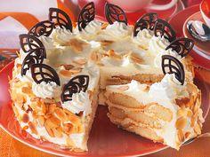 Unser Rezept für Malakoff-Torte ist schnell und einfach zubereitet und kommt ganz ohne Backen aus. Diesen österreichischen Torten-Klassiker musst du unbedingt mal ausprobieren!
