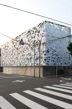 Tokyo, Japan_2007  Screen Façade Design: Faulders Studio, with Proces2 in San Francisco Building Design: Studio M/Hajime Masubuchi in Tokyo  Acquired, SFMOMA Permanent Architecture and Design Collection (building representation); Awarded, Best ...