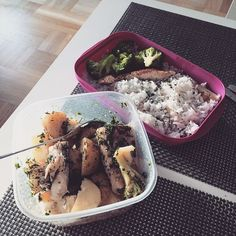 """""""Lika barn leka bäst ✅ #lunch#fitnessfreak#matlådemaffian#TeamMMsports#exersciencenutrition#diet#icaniwill#workforit#motivation#skablistark#eatclean#healthylifestyle#fiskärgott#mrr#life#passionforprogress"""" Photo taken by @sarahjelving on Instagram, pinned via the InstaPin iOS App! http://www.instapinapp.com (01/17/2015)"""