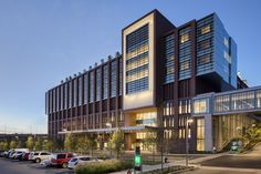 Gallery of The Christ Hospital Joint and Spine Center / SOM - 4