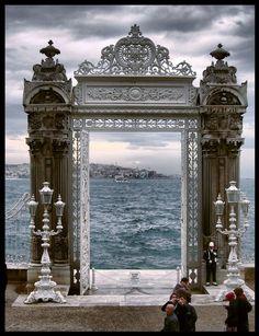 The door by Monica Enne (Dolmabahçe Sarayı-İstanbul)