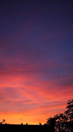 5 kiffs per week # 8 Night Sky Wallpaper, View Wallpaper, Sunset Wallpaper, Iphone Wallpaper, Pretty Sky, Beautiful Sunset, Photo Ciel, Sunset Sky, Sunset Beach